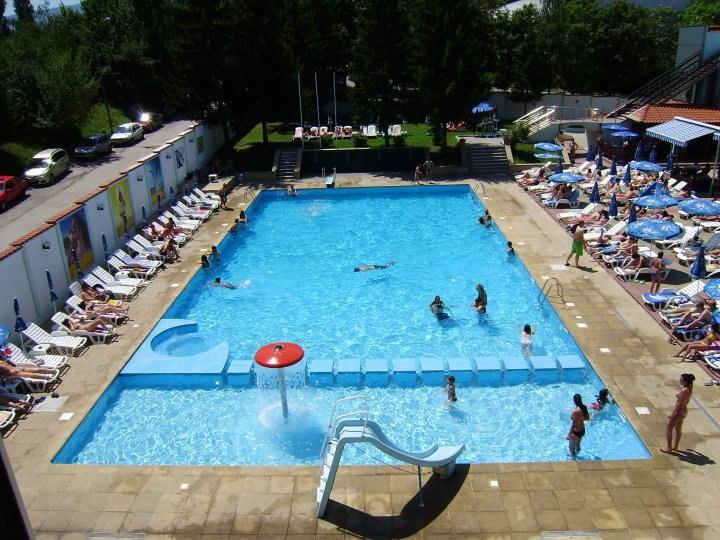 Плувен комплекс  Леда