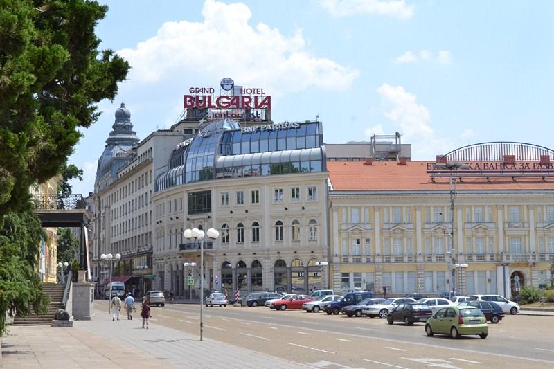 Сградата на хотел-ресторант  България