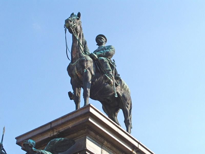 EL MONUMENTO AL EMPERADOR RUSO ALEJANDRO II