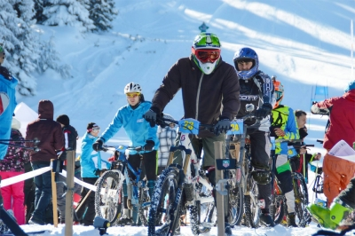 Thousands of People Celebrated World Snow Day in the Mountain